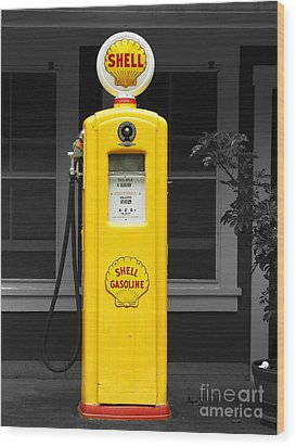 Old Time Gas Pump Wood Print by David Lawson
