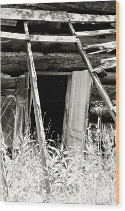 Old Tobacco Barn Wood Print by Michael Allen