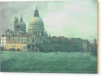 Wood Print featuring the photograph Old Venice by Brian Reaves