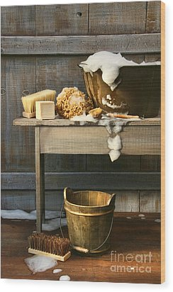 Old Wash Tub With Soap And Scrub Brushes Wood Print by Sandra Cunningham