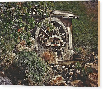 Wood Print featuring the photograph Old Water Wheel by Elaine Malott