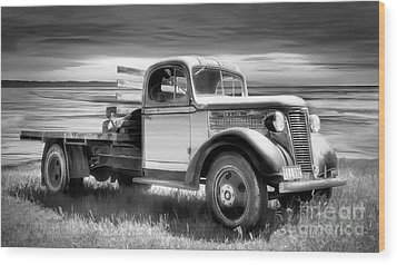 Oldsmobile Wood Print by Shannon Rogers