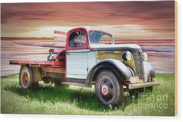 Oldsmobile Sunset Wood Print by Shannon Rogers