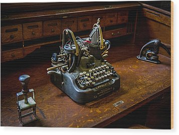 Oliver Typewriter Wood Print