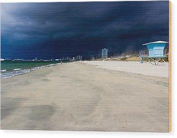Ominous Sky Over Long Beach Wood Print by Heidi Smith