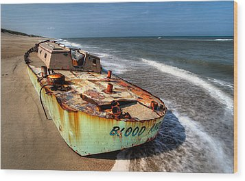 On The Beach I - Outer Banks Wood Print by Dan Carmichael