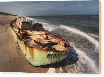 On The Beach II - Outer Banks Wood Print by Dan Carmichael