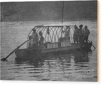 Wood Print featuring the photograph On The James 2 by Pete Hellmann