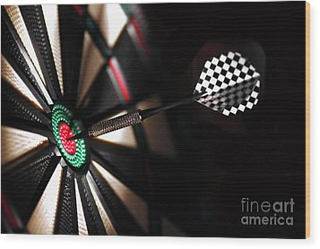 One Arrow In The Centre Of A Dart Board Wood Print by Michal Bednarek