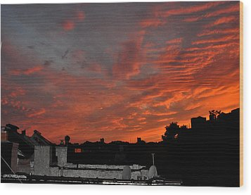 Orange Sky From Brooklyn Roof Wood Print by Diane Lent