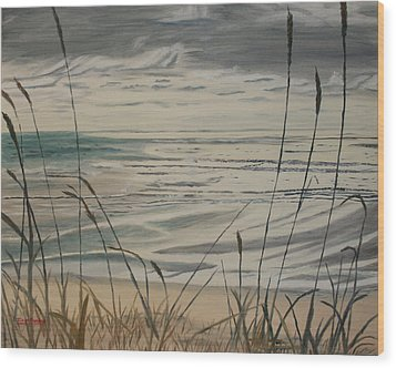 Oregon Coast With Sea Grass Wood Print by Ian Donley