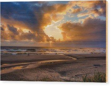 Oregon Sunset Wood Print by Dennis Bucklin