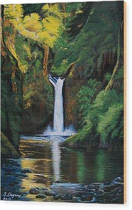 Oregon's Punchbowl Waterfalls Wood Print