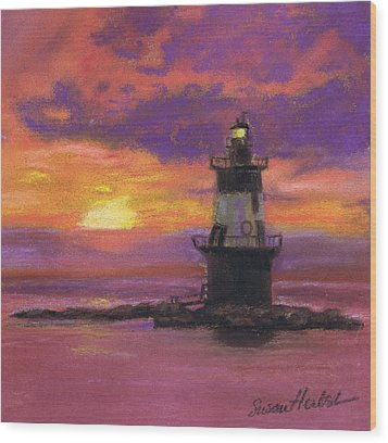 Orient Point Lighthouse Sunset Wood Print by Susan Herbst