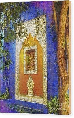 Oriental Mood Wood Print by Mo T