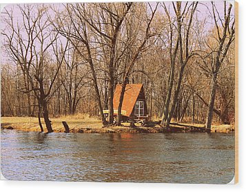 ottage oh the Fox River Wood Print by Victoria Sheldon
