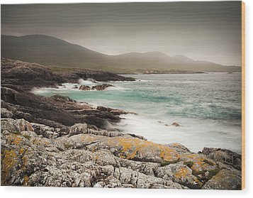 Outer Hebrides Waves Wood Print by Ray Devlin