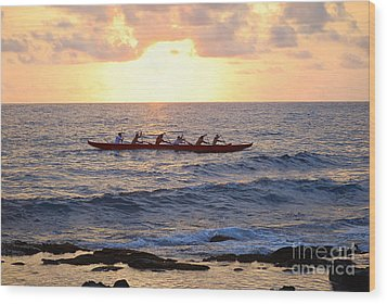 Outrigger Canoe At Sunset In Kailua Kona Wood Print by Catherine Sherman