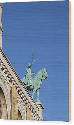 Outside The Basilica Of The Sacred Heart Of Paris - Sacre Coeur - Paris France - 01139 Wood Print by DC Photographer