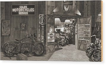 Outside The Old Motorcycle Shop - Spia Wood Print