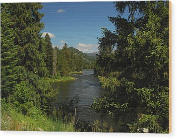 Overlooking The Lochsa River In Idaho Wood Print by Larry Moloney