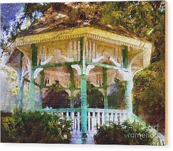 Owego Gazebo Courthouse Square Park Wood Print by Janine Riley