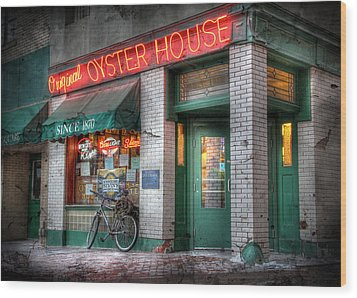 Oyster House Wood Print by Lori Deiter