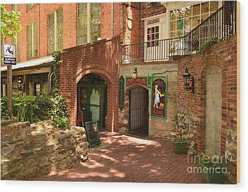 Paddys Hollow Restaurant And Pub Wood Print by Bob Sample