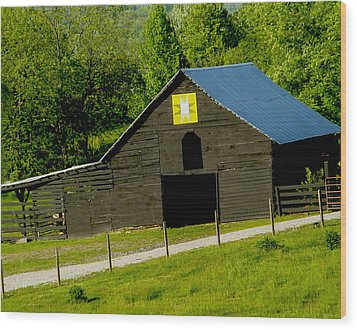 Painted Barn Quilt Two Wood Print by Robert J Andler