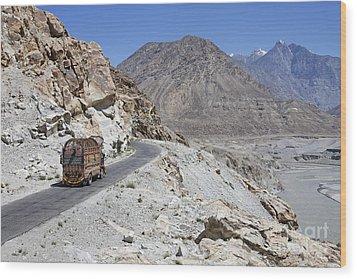 Painted Truck On The Karakorum Highway In Pakistan Wood Print by Robert Preston
