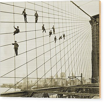 Painters On The Brooklyn Bridge 1914 Wood Print by Mountain Dreams