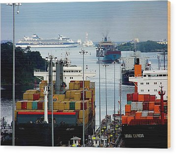 Panama Express Wood Print