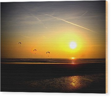 Paragliders At Sunset Wood Print