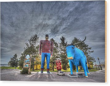 Wood Print featuring the photograph Paul Bunyan And Babe The Blue Ox In Bemidji by Shawn Everhart