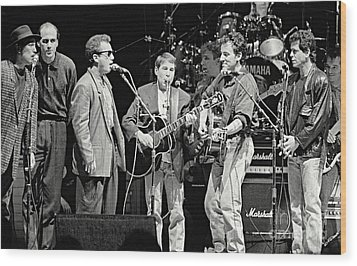 Paul Simon And Friends Wood Print by Chuck Spang