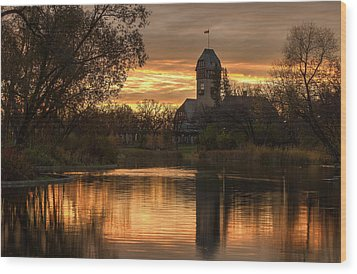 Pavilion Sunrise Wood Print by Stuart Deacon