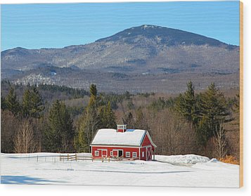 Wood Print featuring the photograph Peaceful Barn by Larry Landolfi