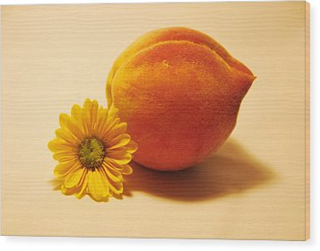 Wood Print featuring the photograph Peachy by Linda Segerson