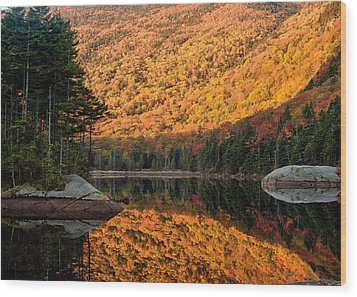 Wood Print featuring the photograph Peak Fall Foliage On Beaver Pond by Jeff Folger