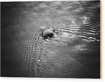 Pebble In The Water Monochrome Wood Print by Raimond Klavins
