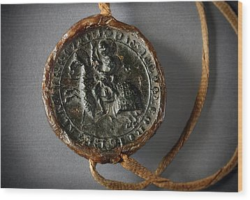 Pendent Wax Seal Of The Council Of Calahorra Wood Print by RicardMN Photography