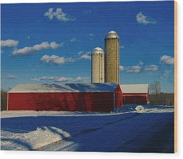 Pennsylvania Winter Red Barn  Wood Print by David Dehner