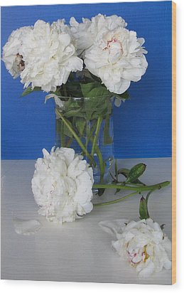 Wood Print featuring the photograph Peonies 1 by Margaret Newcomb