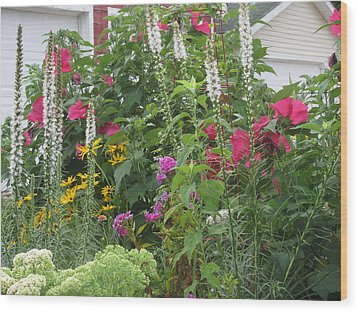 Wood Print featuring the photograph Perennial Garden 1 by Margaret Newcomb