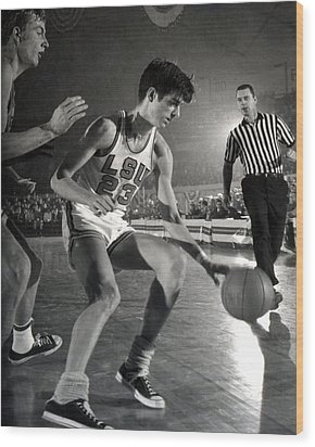 Pete Maravich Dribbling Wood Print by Retro Images Archive