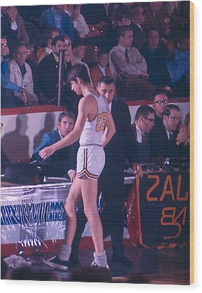 Pete Maravich Going To Sidelines Wood Print by Retro Images Archive
