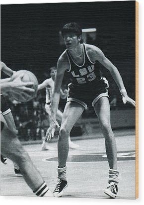Pete Maravich Playing Defense Wood Print by Retro Images Archive