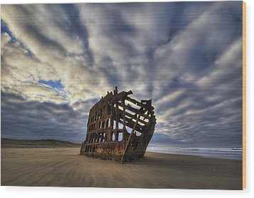 Peter Iredale Shipwreck Sunrise Wood Print
