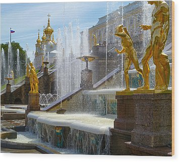 Peterhof Palace Fountains Wood Print