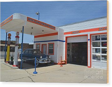 Wood Print featuring the photograph Pete's Gas Station by Utopia Concepts